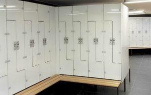 Garderobenschrank Metall und Glas